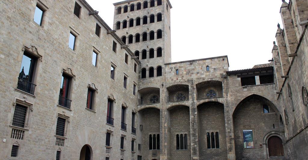 Quartier Gothique - Place du Roi