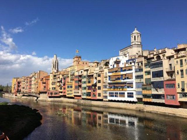 Girona medieval vista desde las casas del Onyar
