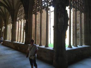 Najera_Lourdes_en_el_claustro