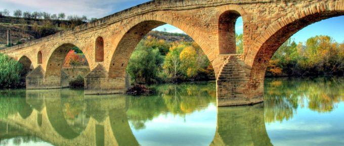 Caminar por Navarra http://turismo.navarra.com/item/puente-la-reina-encrucijada-jacobea/