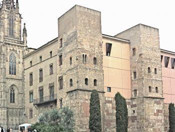Tramo de la muralla de Barcino romana en la plaza de la Catedral