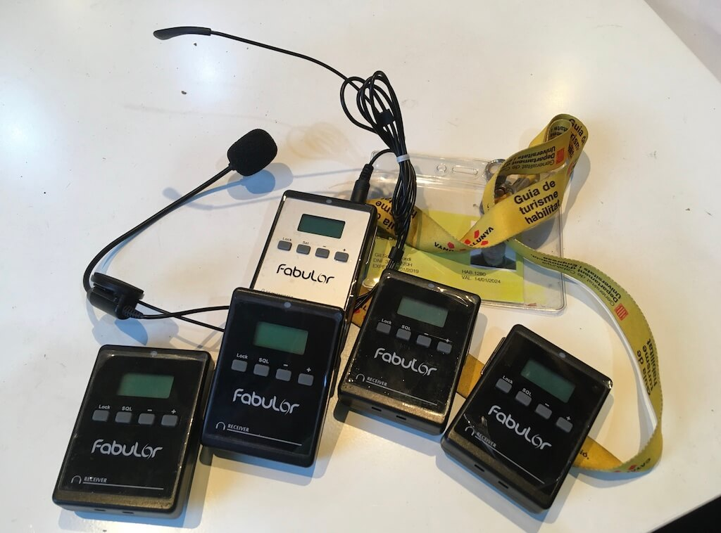 Protocole Covid-19 Guides conferencier et transmetteurs et écouteurs individualisés pour les assistants aux visites